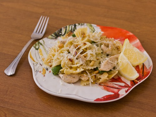 Chicken with Spinach and Farfalle Pasta Recipe-- Moms Have Questions Too