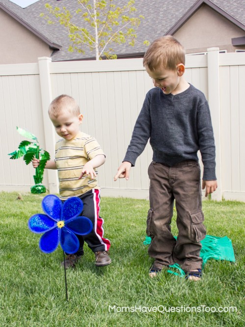 Using a Dollar Store Pinwheel for a Preschool Lesson on Wind - Moms Have Questions Too