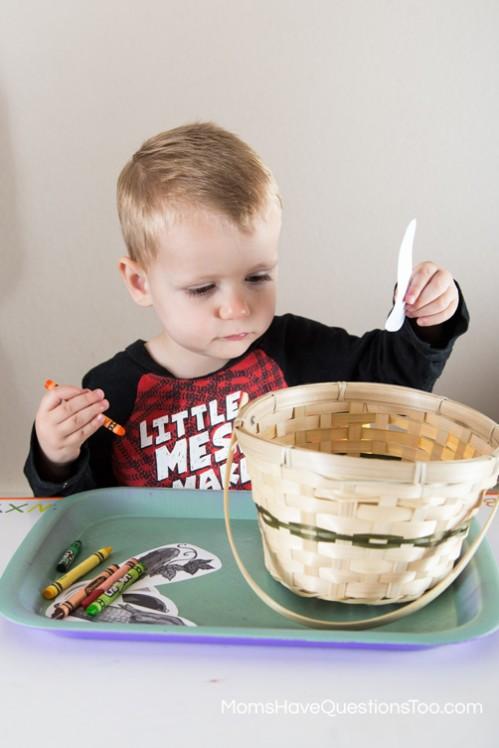 Color Vegetables - Gardening Tot School Trays - momshavequestionstoo.com
