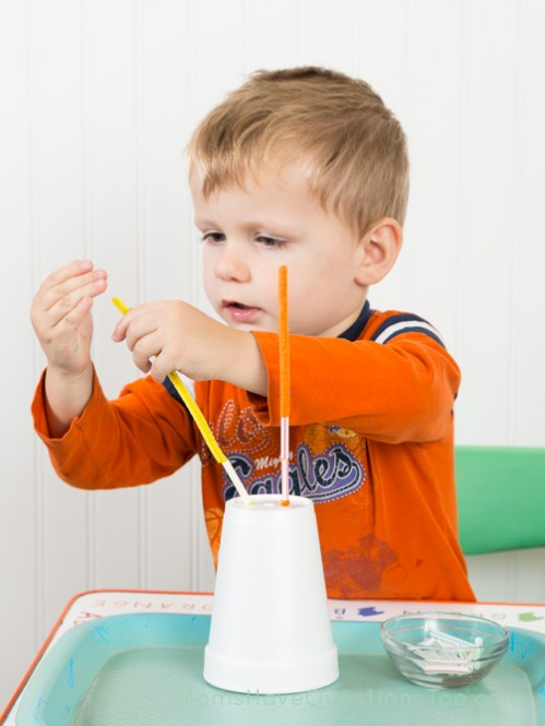 Beading on Pipe Cleaners - Moms Have Questions Too