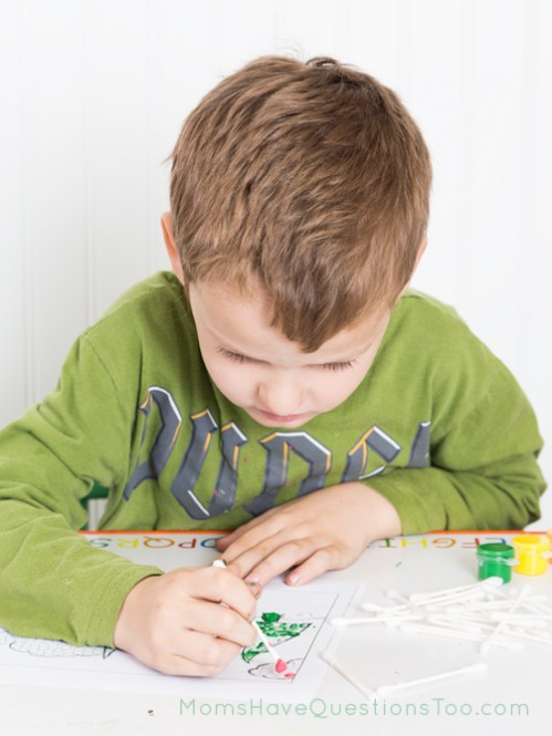 Q-Tip Painting in $1.99 Christmas Activity Pack from Moms Have Questions Too