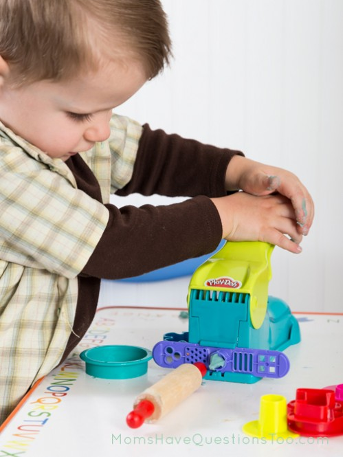 Using Play dough toys - Moms Have Questions Too