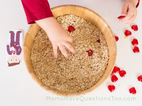 Letter C Curriculum for Toddlers Tray Idea - Moms Have Questions Too