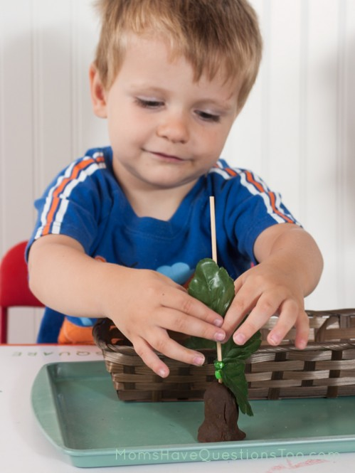 Leaves on a Tree. J is for Jungle Toddler School. Tons of great ideas to teach the letter J, plus beading, sorting,and more!